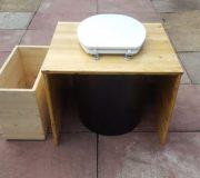 Komposttoilette 'Die große Kleine' mit 80L-Behälter - Sicht von Hinten