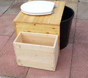 Komposttoilette 'Die große Kleine' mit optionalem Einstreubehälter - Seitenansicht