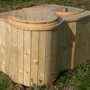 Komposttoilette 'Der Eck-Schmetterling'