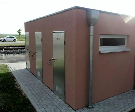 Endhaltestellentoilette für Personal mit Aufenthaltsraum - Mannheim - Trockentoilettenanlage - Aussenansicht