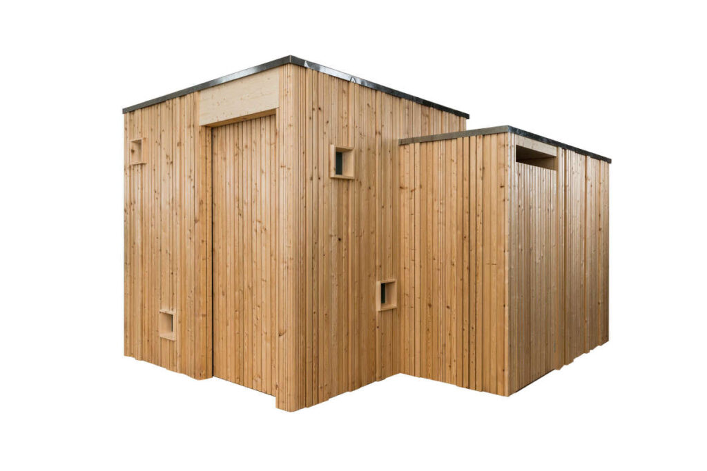 Header . Trockentoilette KUBUS - öffentliche Toilette aus Lärchenholz mit Toilettensystem ECODOMEO - Ansicht front mit getrenntem Urinal