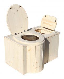 """Komposttoilette """"Der Schmetterling"""" · aus Fichte, unbehandelt · Sitz links. Foto: Toilette und Einstreubehälter offen"""