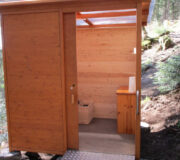 Komposttoilette WALD-barrierefrei, Hohenlochenhütte Wolfach