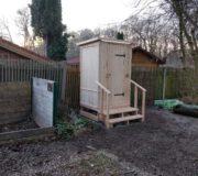 Komposttoilette WIESE mit skandinavischem Toilettensystem Biolan - Sondermaße und Handlauf für Waldkindergarten 1