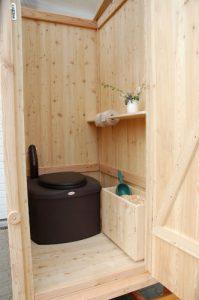 Komposttoilette WIESE-Biolan aus Lärche unbehandelt Innenansicht
