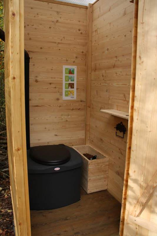 "nowato Komposttoilette Modell ""Wald"" mit Biolan eco 200L _Borken · Innenansicht. Komposttoilette mit Toilettensystem Biolan eco"