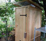 Gartentoilette. Komposttoilette kaufen. nowato · online Verkauf Toiletten aus Holz.
