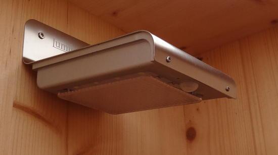 LED-Solar-Wandleuchte von LUMINEA, optional für Toilettekabine WIESE