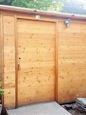 Toilette WALD BARRIEREFREI barrierefrei nach DIN mit Ecodomeo Aussenansicht
