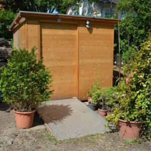 Toilette WALD barrierefrei nach DIN mit Ecodomeo. Aussenansicht