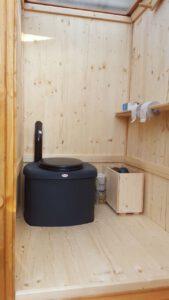 Toilette WIESE Sondermaße Fichte mit Biolan eco - Innenansicht