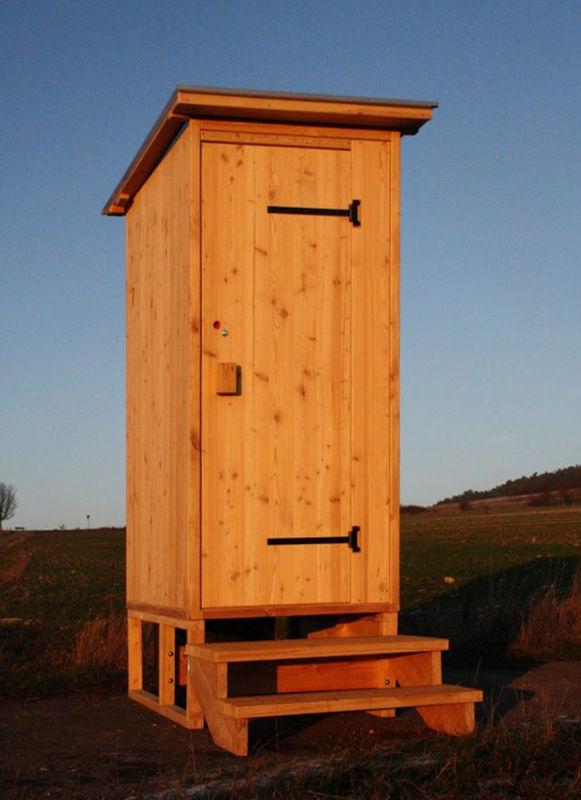 """Komposttoilette """"Wald"""" aus Lärchenholz, erhöht für die Biolan 'eco'. [Galerie Wald standard Biolan]"""