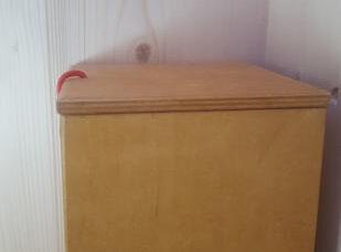 Toilettenpapierspender aus Multiplex, lasiert, 5 Rollen