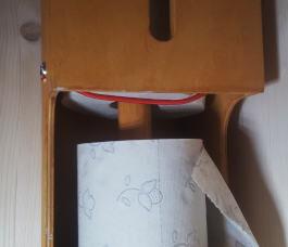 Toilettenpapierspender aus Multiplex, 5 Rollen