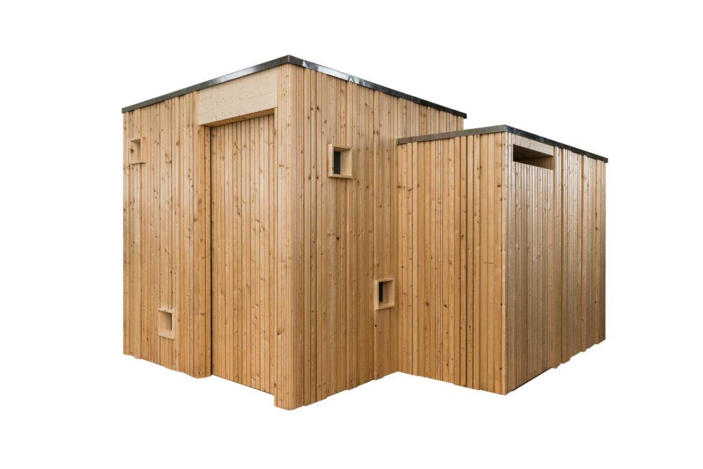 Trockentoilette KUBUS - öffentliche Toilette aus Lärchenholz mit Toilettensystem ECODOMEO - Ansicht front mit getrenntem Urinal