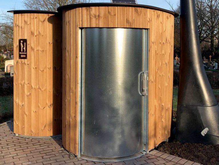 Öffentliche Toilette KAZUBA von nowato in Eppelheim am Friedhof