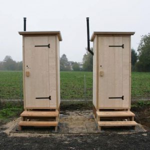 Komposttoilette Modell 'Wald' mit Biolan eco. Aus Fichte unbehandelt. Kinderfarm Friedberg