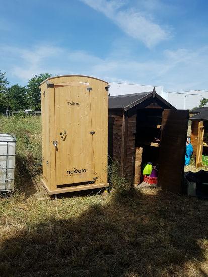 WiSaWi Wiesbaden, Mitmachgarten - nowato Toilette HEIDE, Langzeitmiete