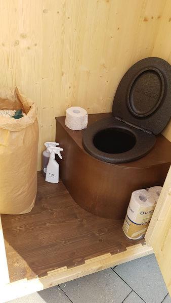 nowato Komposttoilette Heide - Innenansicht - Papiertasche für den Einstreu