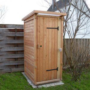 Komposttoilette für den Garten. Outdoor Toilettet.