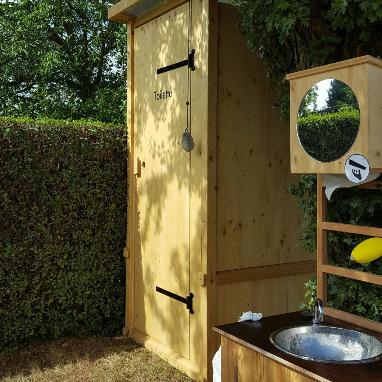 Nowato mobile toilette und handwaschbecken aus holz oberursel komposttoiletten - Mobile toilette ...