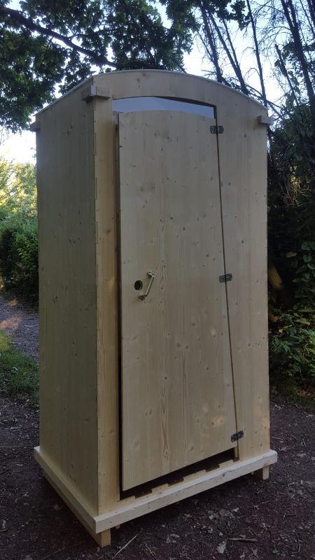 nowato Komposttoilette Modell 'Heide' · Aussenansicht Vorderseite