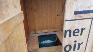 nowato Komposttoiletten und Einstreu-Pissoirs. Vermietung von Komposttoiletten und Zubehör
