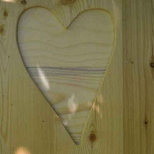 nowato Toilette WIESE Kundenfoto Oberusel - Herz an der Tür