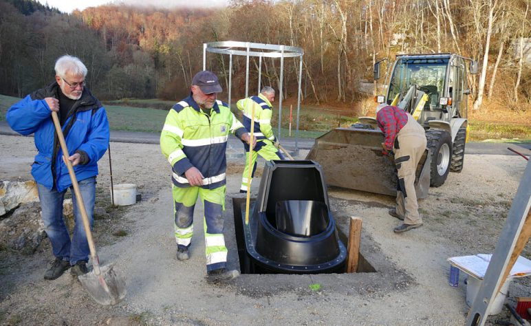 Installation Trockentoilette Schmeiental